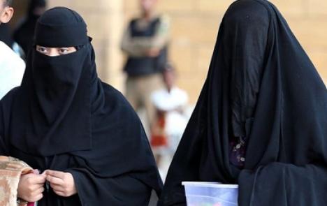 Poll: Majority fear radicalization of Muslims