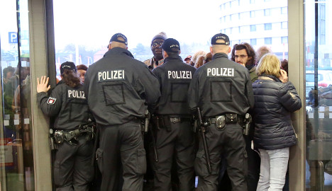 Strike forces police to close Hamburg airport
