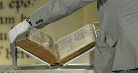 Codex thief of Santiago jailed for ten years