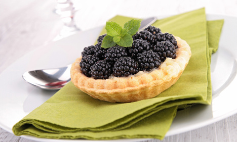 How to make traditional Swedish blackberry pie