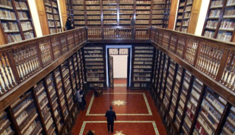 Munich to return €2.5M book trove to Naples