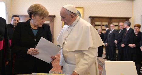 Merkel and Pope Francis discuss Ukraine crisis