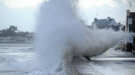 VIDEO: 'Supertides' batter French coastline