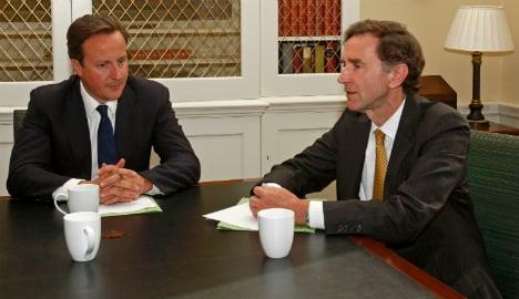Ex-HSBC chief quits post amid tax scandal