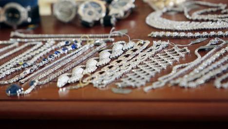 Trial opens in Paris over €100m jewellery heists