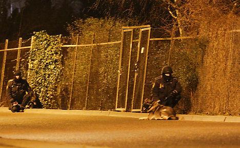Man killed by CPH police after gun attacks