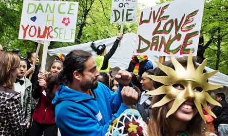 Sweden keeps ban on spontaneous dancing