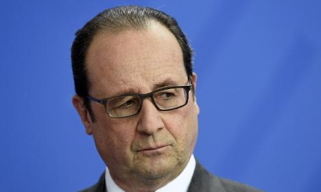 Hollande plans reforms after election debacle