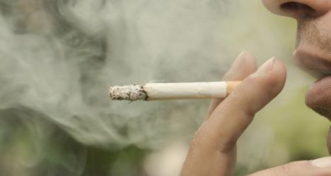 Italians obey smoking ban more than Germans