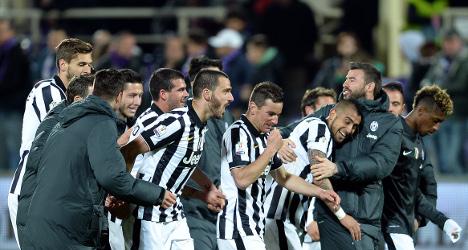Juventus blitz Fiorentina to reach Cup final