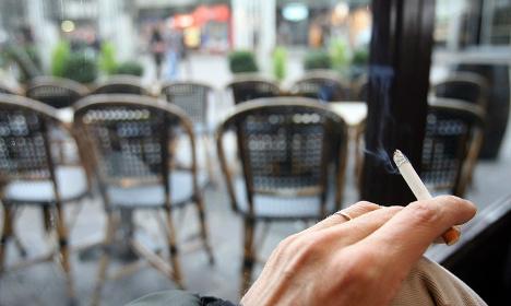 Paris gets tough on café terrace smokers