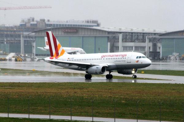 Oil leak diverts Germanwings flight