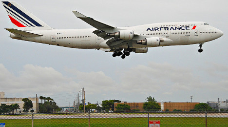 Air France brings in two-person cockpit rule