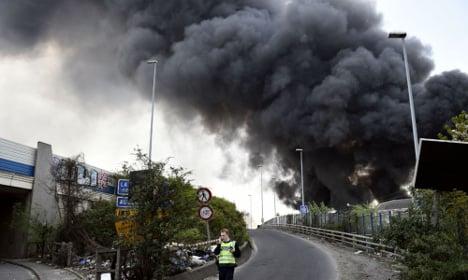 Huge blaze cuts Paris train link to CDG airport