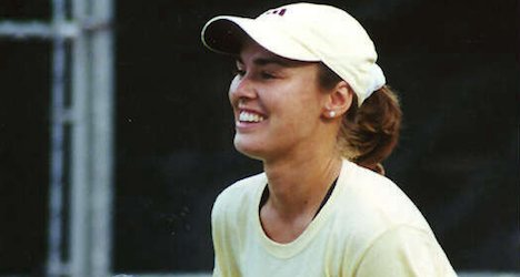 Hingis set for Fed Cup return after 17 years