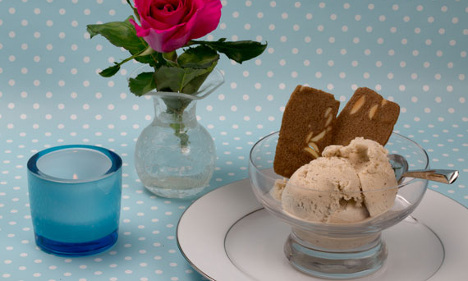 How to make Swedish cardamom ice cream