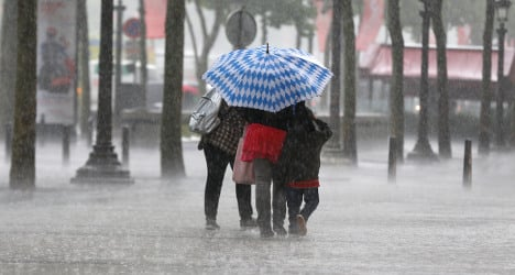 Violent storms set to sweep across France