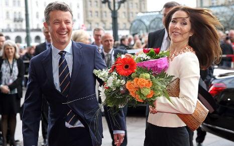 Danish royals draw out Hamburg crowds