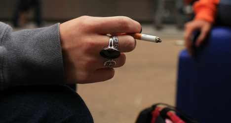 France bans smoking in childrens playgrounds