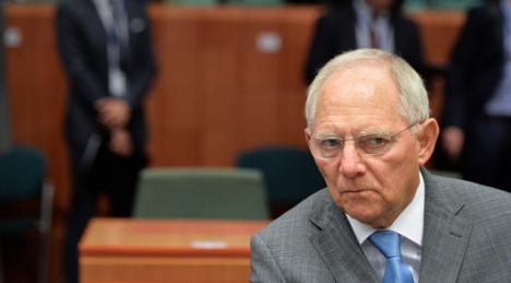 Schäuble warns Greece and woos Britain