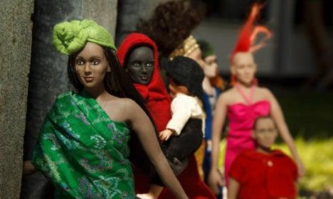 Swedish mum makes kids' dolls with genitals