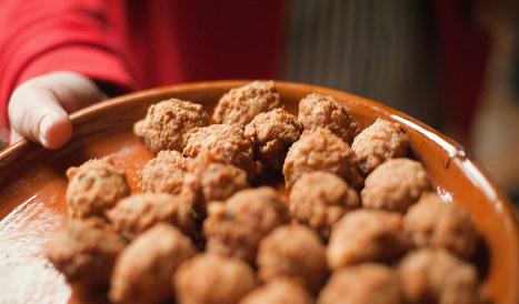 Man threatens to murder mother over meatballs