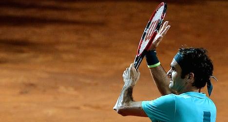 Federer beats Wawrinka to face Djokovic in final