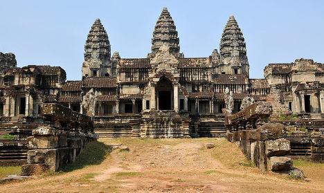 Italian 'took bare bottom snaps' at Angkor temple