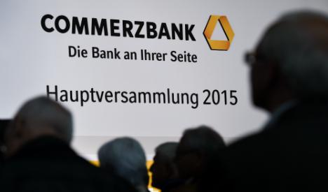 Commerzbank owners reject bigger bonuses