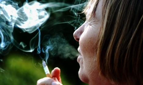 Sweden puffs up outdoor smoking ban proposals
