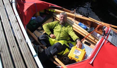 Man rowing entire coast of Norway