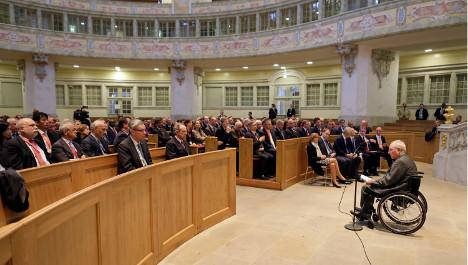 Spectre of Greece haunts G7 Dresden meeting