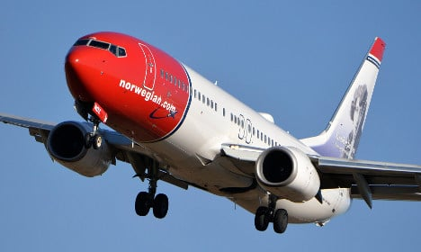 Swedes tell of fear after lightning strikes plane