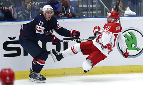 US overpowers Denmark at worlds