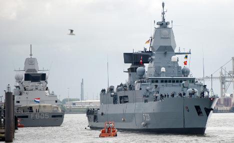 German navy saves 400 Mediterranean refugees