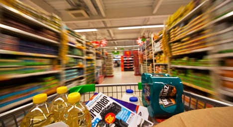 French supermarkets to give away unsold food