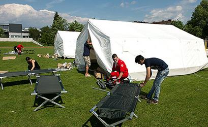 Minister under fire for refugee tent shelter plan