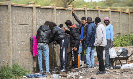 Hollande rejects migrant quotas for Europe