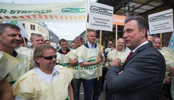 Drivers' strike goes ahead after rail talks fail