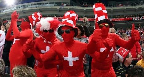 Canada wallops Swiss in hockey championship