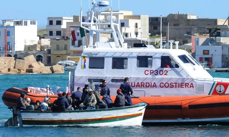 More than 4,000 migrants on their way to Italy after being rescued