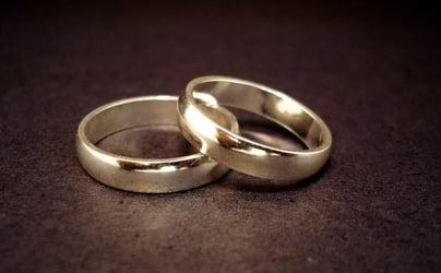 Police break up brawling marriage proposal pair