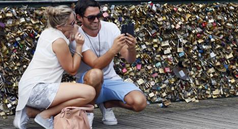 Paris finally set to dump scourge of love locks
