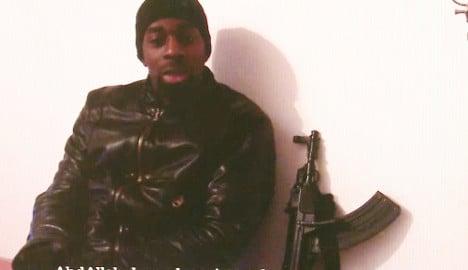 Did extreme right figure arm Paris terrorist?