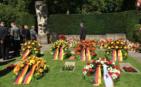 Berlin honours dead of 1953 anti-GDR uprising