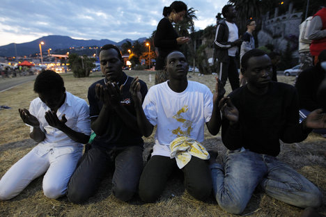 Italy's migrant drama moves from sea to stage