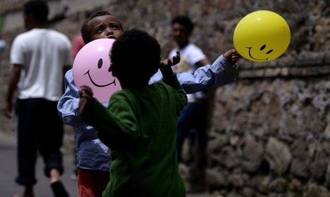 Sardinia's poor give all to refugees