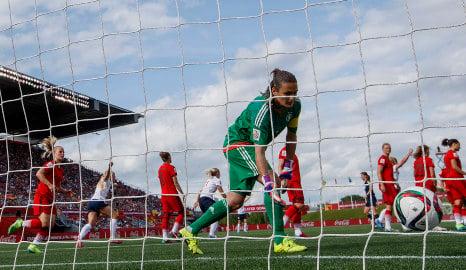 Mjelde saves Norway with perfect free kick