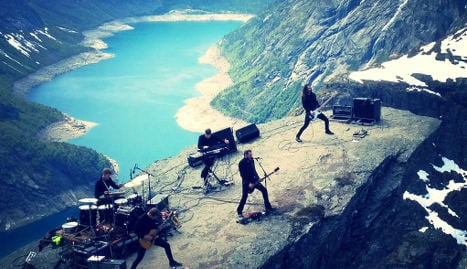 Metal band plays concert on Troll's Tongue