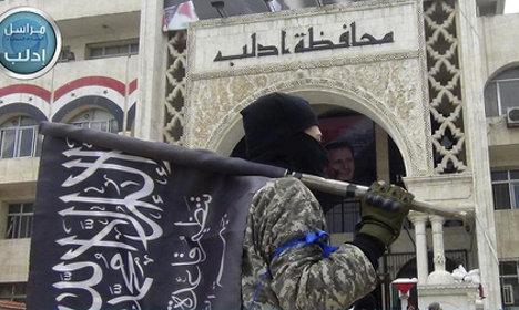 Vanished Swedish teen calls mum from Syria